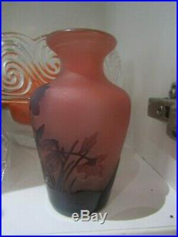 AUTHENTIQUE VASE en pâte de verre ANCIEN SIGNE GALLE haut 11 cm parfait état