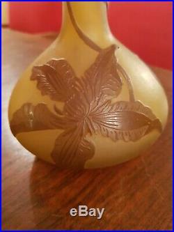Ancien soliflore, vase pate de verre signé Gallé, époque 1900
