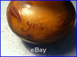Authentique petit vase Gallé pâte de verre soufflée, début XX, excellent état