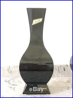 Baccarat rare paire de vases en cristal noir