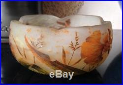 Belle coupe pate de verre décor de fleurs orangées signé DAUM Nancy