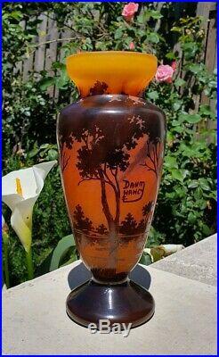 Daum Nancy Art Nouveau Vase en Pate de Verre art nouveau soliflore décor acide