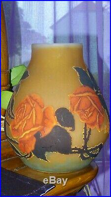 EXCEPTIONNEL, GROS vase en pâte de verre signé Muller Frères Lunéville