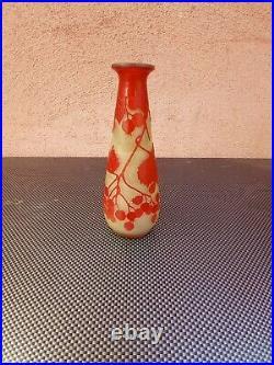 Emile Gallé vase Art Nouveau en verre multicouche dégagé à l'acide