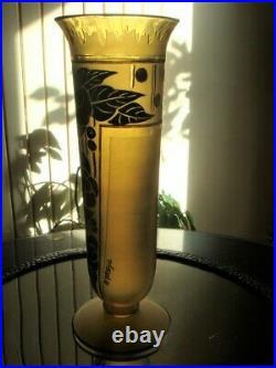 Grand vase Art déco signé d'Argyl