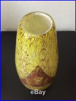 Grand vase verre soufflé moucheté décor de vigne dégagé à lacide signé Legras