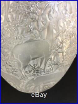 LALIQUE France. Vase Biches