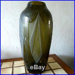 LEGRAS. Grand vase. Decor geometrique. Art deco
