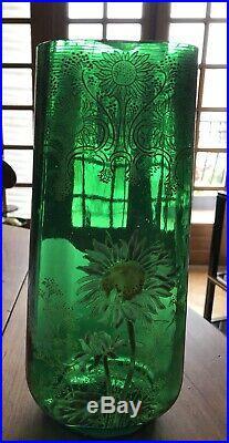 LEGRAS Rare ensemble de deux vases et une jardinière. En verre émaillé