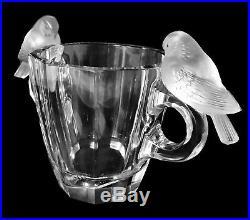 Lalique France Vase Deux Pigeons En Cristal Blanc Taillé