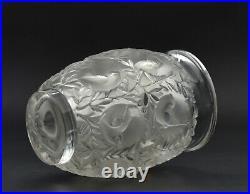 Lalique France vase Bagatelle verre moulé décor oiseaux French Lalique vase