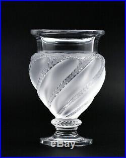 Lalique France vase cristal Ermenonville Lalique crystal