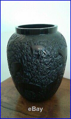 Lalique. Vase aux biches. Noir. Création René Lalique 1932. Lalique france
