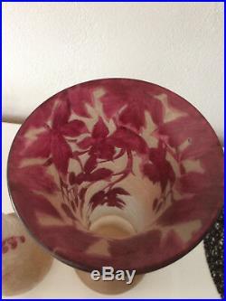 Paire de Vases en pâte de verre dégagé à l'acide collection Rubis signé LEGRAS