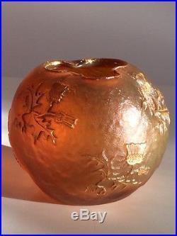 Petit vase frères Daum Nancy pâte de verre à décor de chardons, 1900 art nouveau