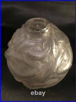 R. Lalique vase Oléron décor poissons