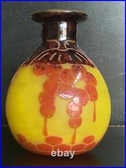 Rare vase le verre francais