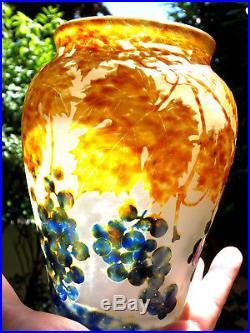 Superbe et rare vase Daum Vignes en vitrifications, parfait, era Galle 1900