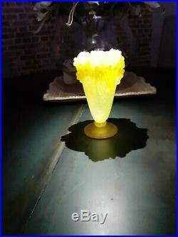Vase Daum france pâte de verre
