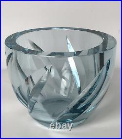 Vase En Cristal Taillé De Daum & Nancy France Couleur Bleutée De 1,9 KG