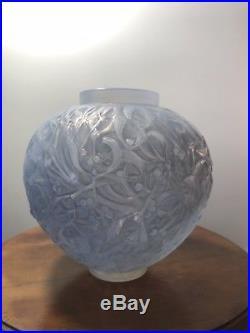 Vase Gui René Lalique R. Lalique Double Cased Opalescent Stained Glass Vase