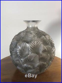 Vase Ormeaux Patiné Gris René Lalique Grey Stained Glass R. Lalique Leaves
