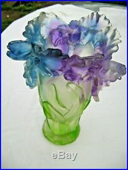 Vase aux IRIS époque Art Déco Signaure a déterminée