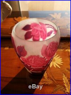 Vase aux roses MULLER FRERES LUNEVILLE 1925 (GALLE DAUM)
