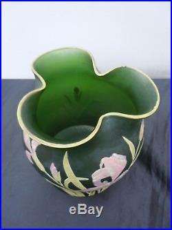Vase pate de verre decor emaille fleurs iris epoque Legras Montjoye vers 1920