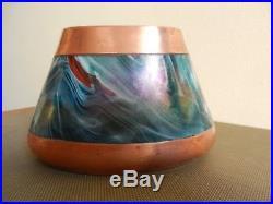 Vase verre irisé en dinanderie Art Nouveau